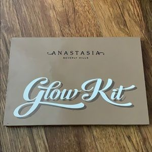 Anastia Beverly Hills glow kit